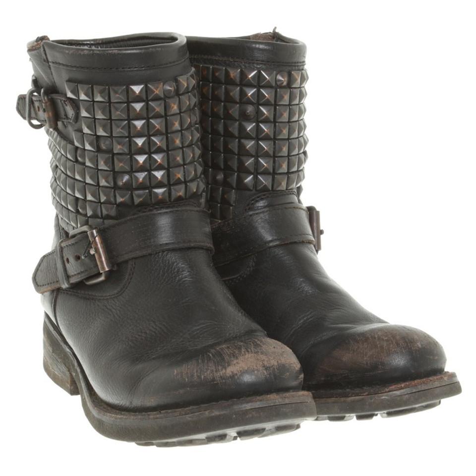 ash bottes en noir acheter ash bottes en noir second hand d 39 occasion pour 129 00 2423673. Black Bedroom Furniture Sets. Home Design Ideas