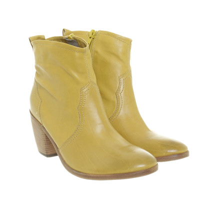 Other Designer Kennel & Schmenger - ankle boots in yellow