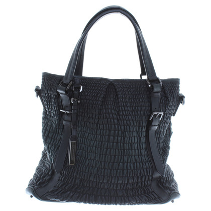 Burberry Ledershopper in Schwarz