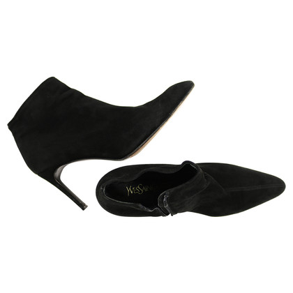 Yves Saint Laurent Elegant Suede Ankle Boots