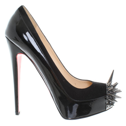 Christian Louboutin pumps con borchie a spillo