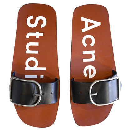 Acne Toe separator made of leather
