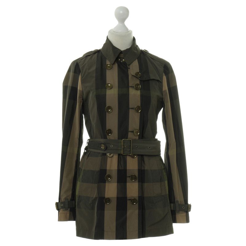 Burberry Trench coat pattern