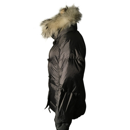 Jet Set Ski suit with a fur collar