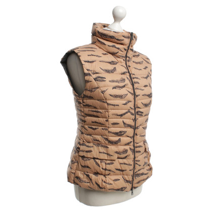 Marc Cain Quilted waistcoat in Nude
