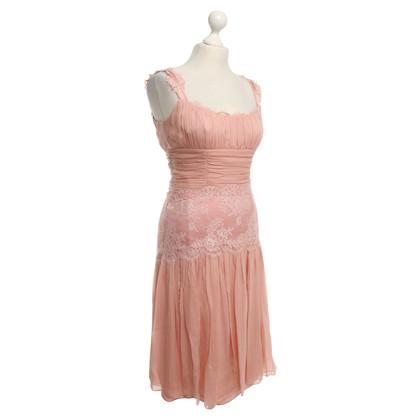 Dolce & Gabbana robe de dentelle en rose