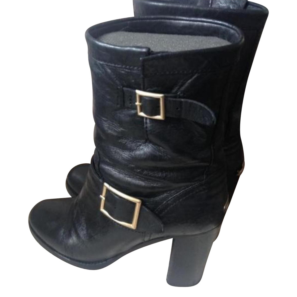 jimmy choo bottes de motard acheter jimmy choo bottes de motard second hand d 39 occasion pour. Black Bedroom Furniture Sets. Home Design Ideas