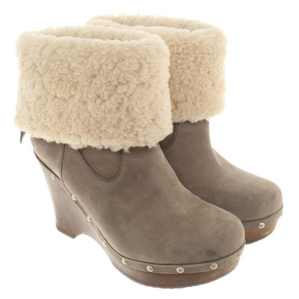 UGG Australia Boots with real fur