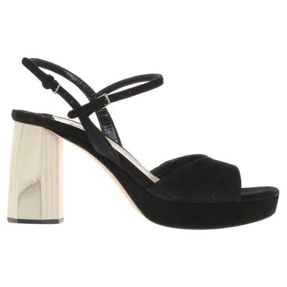 Miu Miu Sandals in zwart