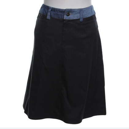 D&G skirt with needle strip pattern