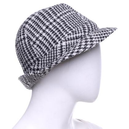Ermanno Scervino Hat in black and white