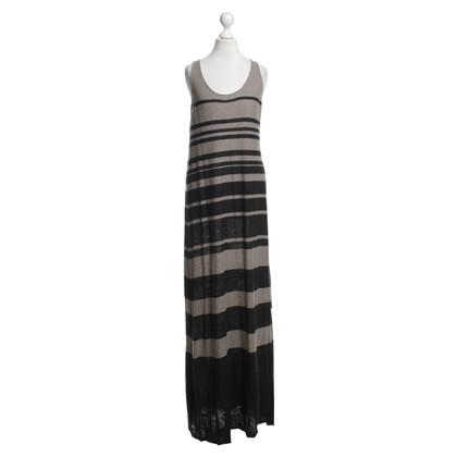 Vince Kleid mit Streifenmuster