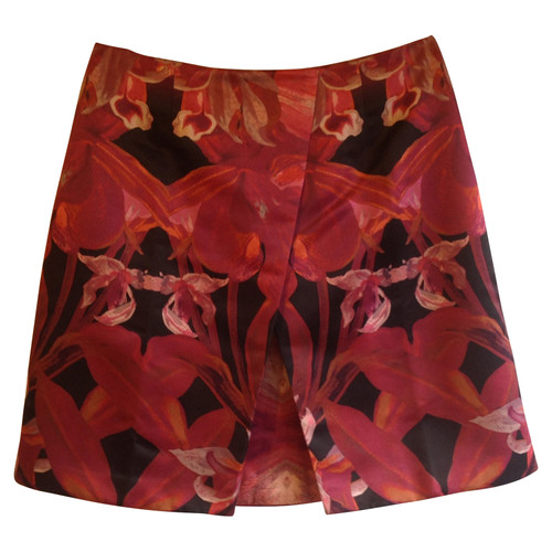 e1268a1cc56ded Ted Baker skirt with a floral pattern - Second Hand Ted Baker skirt ...