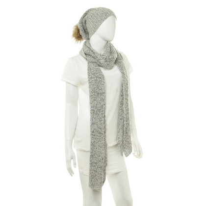 Marc Cain Scarf and beanie in grey
