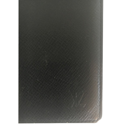 Louis Vuitton Taiga leather cards holder