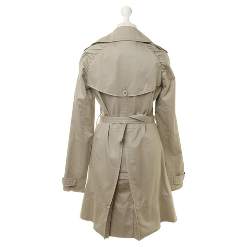 lowest price 28f64 8ee9b Patrizia Pepe Trench coat in beige - Second Hand Patrizia ...