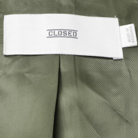 Closed Jacket in green