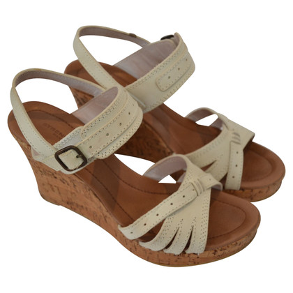 Strenesse Wedges
