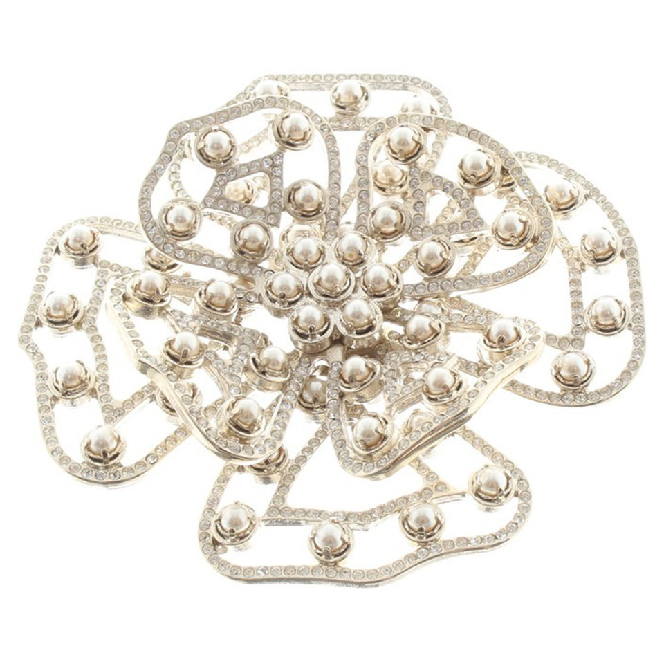 Valentino Brooch in flower shape
