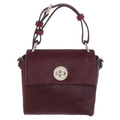 Karen Millen Kleine Handtasche mit Fellbesatz