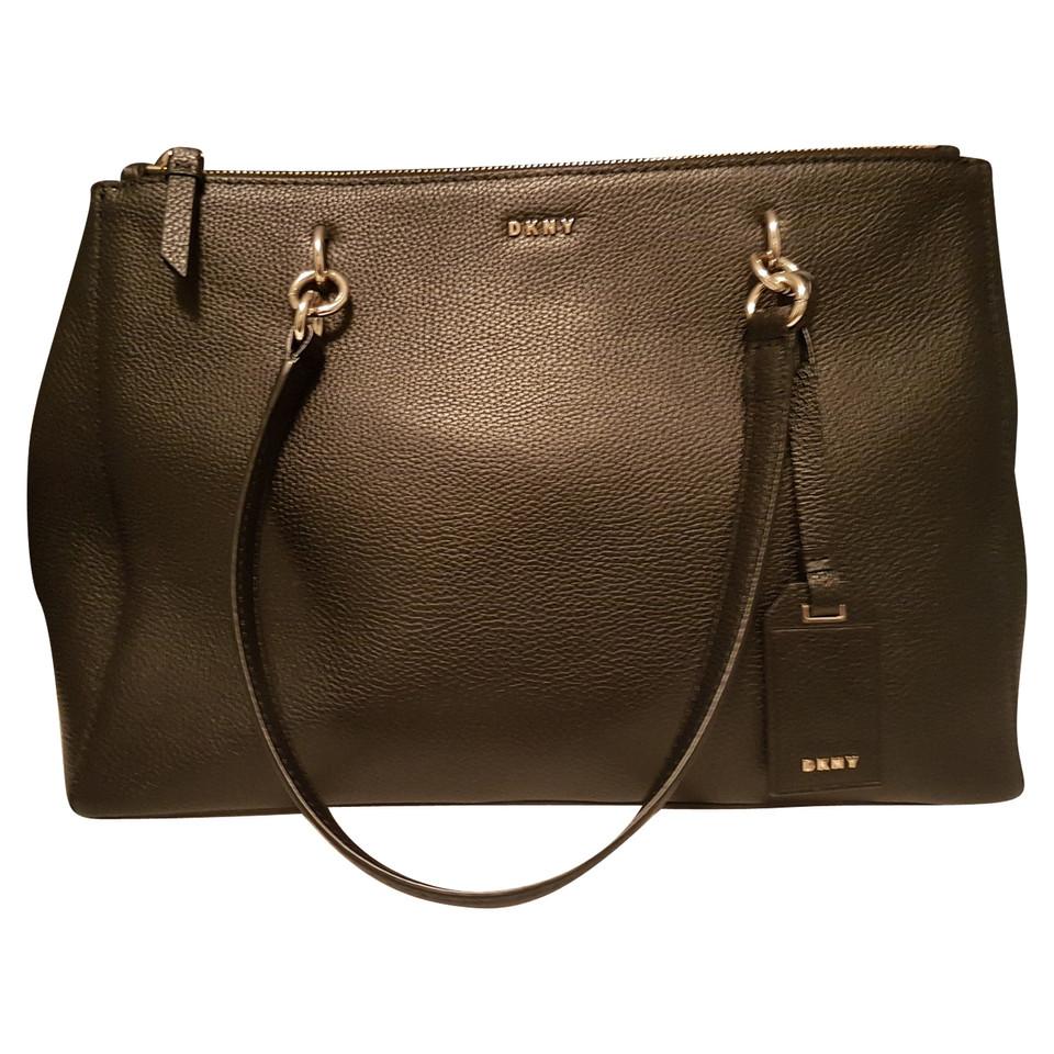 dkny handtasche in schwarz second hand dkny handtasche in schwarz gebraucht kaufen f r 225 00. Black Bedroom Furniture Sets. Home Design Ideas