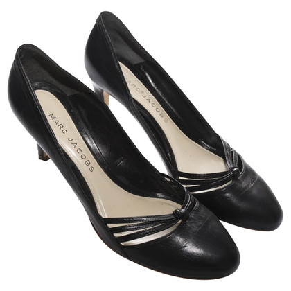 Marc Jacobs Black leather pumps
