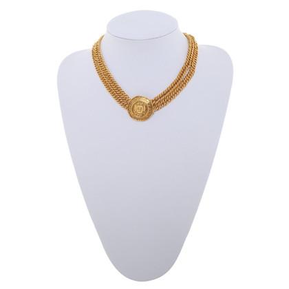 Chanel Halskette mit Logo-Anhänger
