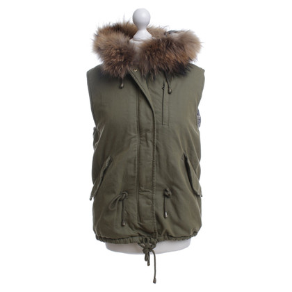 IQ Berlin Vest with fur hood