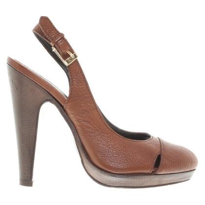 Tahari Sandaletten in Braun
