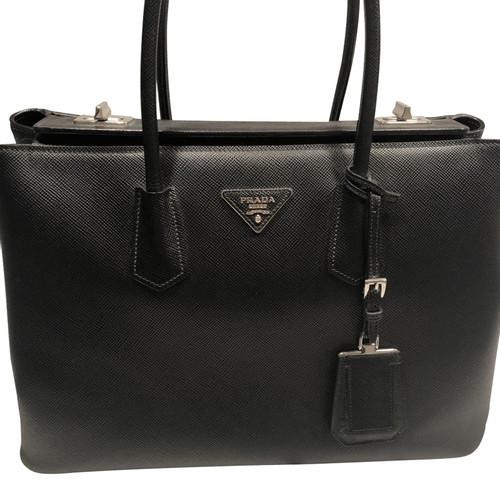 07860d9ec937 Prada Handbag Leather in Black - Second Hand Prada Handbag Leather ...