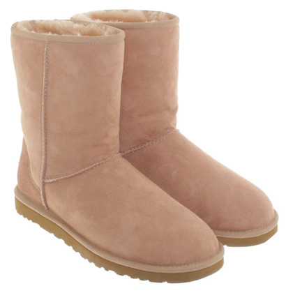 UGG Australia Boots in oudroze
