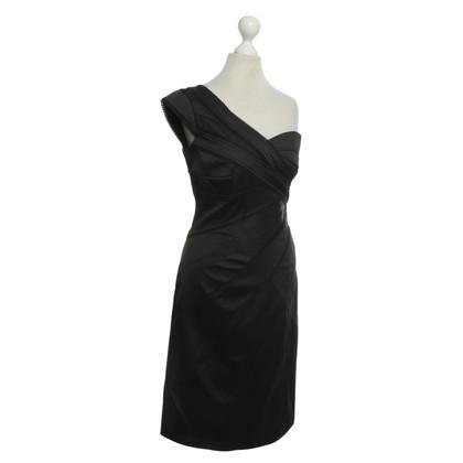 Karen Millen Un abito da spalla in Black