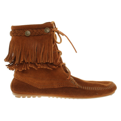 Minnetonka Boots in Camel
