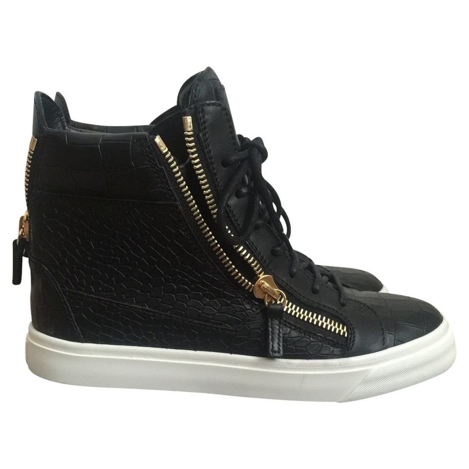 giuseppe zanotti sneakers second hand giuseppe zanotti sneakers gebraucht kaufen f r 535 00. Black Bedroom Furniture Sets. Home Design Ideas