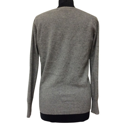 FTC Sweater v-neck