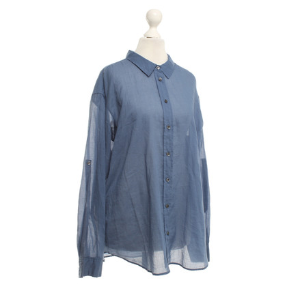 Closed Blouse in light blue
