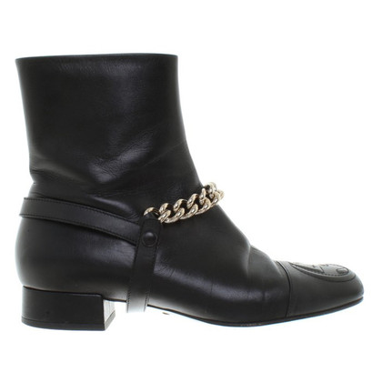 Gucci Boots with link chain