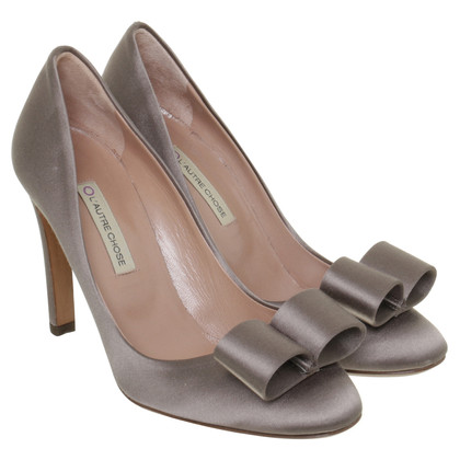 L'autre Chose Pumps aus Satin