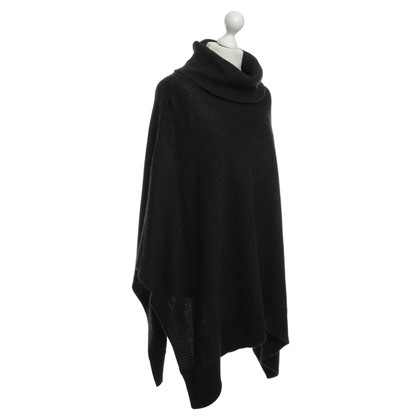 Blonde No8 Cape with hood