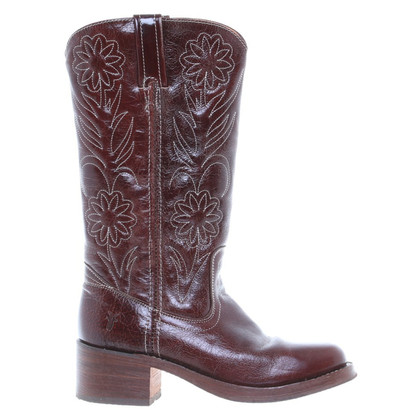 Frye The cowboy-style boots