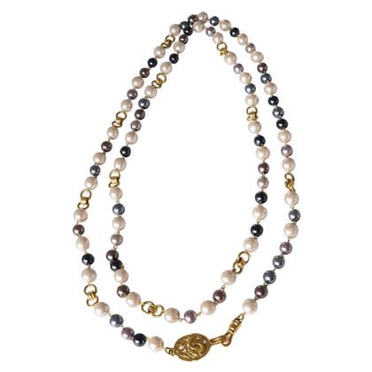 Chanel Halskette mit Schmuckperlen