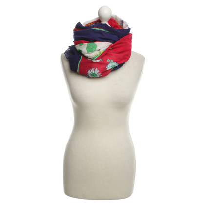 Hermès Tuch mit floralem Muster
