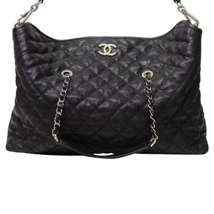 Chanel Shopper in caviar leather