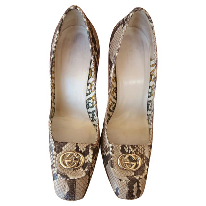 Gucci pumps from python leather