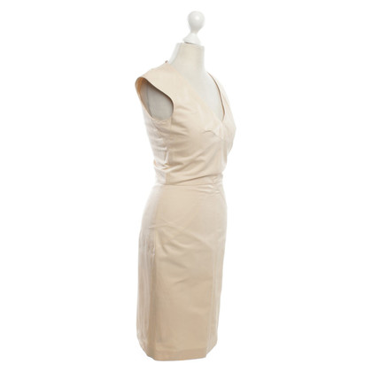 Hugo Boss Dress-up in Nude