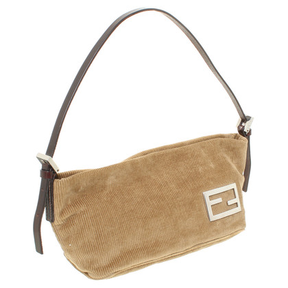 "Fendi ""Baguette Bag"" in ocra"