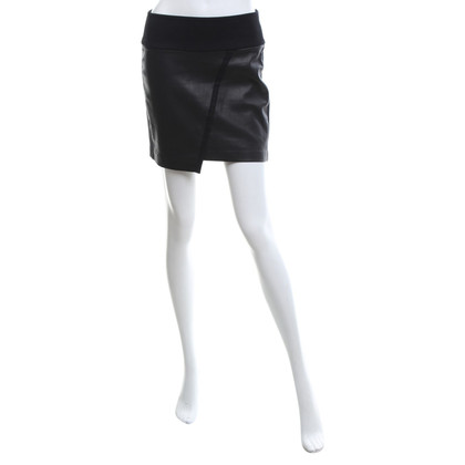 Iro skirt in black