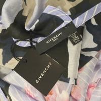 Givenchy  Stola