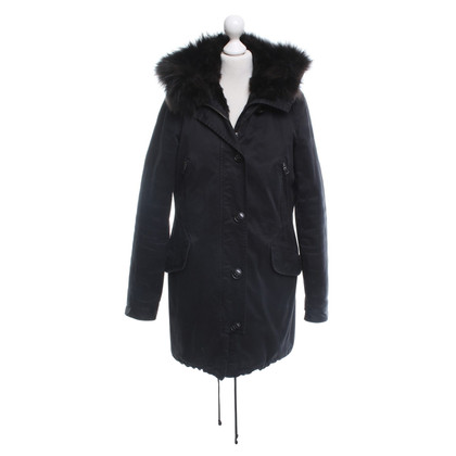 Blonde No8 Parka in black
