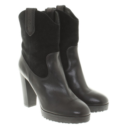 Hogan Leather Bootees